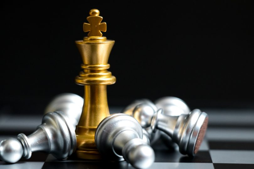 gold king, gold chess piece